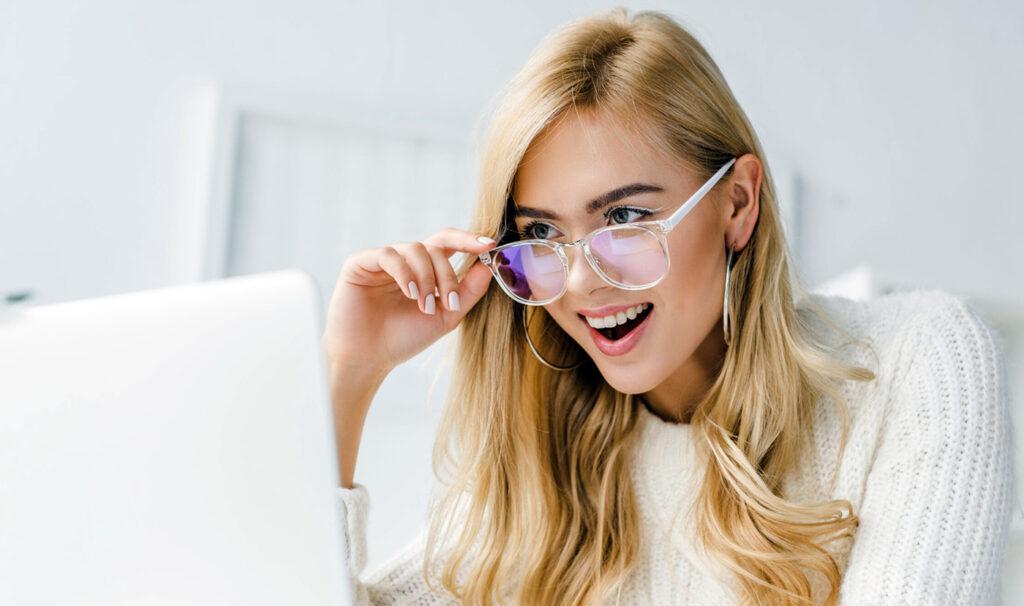 Ochelari, cum vă puteți îmbunătăți perechea prin învelișuri speciale